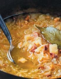 Cabbage soup with smoked ribs (Kapuśniak)